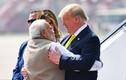 Ảnh: Tổng thống Mỹ Donald Trump thăm Ấn Độ, ôm Thủ tướng Modi