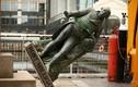 Anh dỡ bỏ bức tượng nhà buôn nô lệ Robert Milligan
