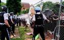 Hình ảnh đụng độ giữa cảnh sát và người biểu tình gần Nhà Trắng