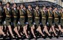 Bất ngờ nữ quân nhân Belarus xinh đẹp trong lễ duyệt binh ở Minsk
