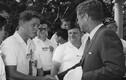 """Loạt khoảnh khắc """"để đời"""" của các Tổng thống Mỹ 100 năm qua"""