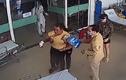Video : Bệnh nhân bất ngờ đấm vào mặt bác sĩ