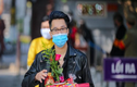 """Giới trẻ đổ xô đến chùa Hà """"cầu duyên"""" trước lễ Valentine"""