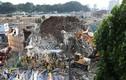 Hiện trường nhà cao tầng đổ sập trúng xe buýt, nhiều người chết