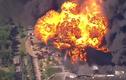 Hiện trường nổ nhà máy hóa chất ở Mỹ, khói lửa ngùn ngụt