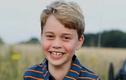 Loạt khoảnh khắc siêu đáng yêu của tiểu Hoàng tử George tròn 8 tuổi