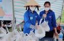 Nữ sinh lớp 12 ở Nghệ An chiều học, sáng tối tình nguyện chống dịch