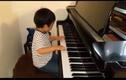 Clip thần đồng gốc Việt Evan Le chơi Hành khúc Thổ Nhĩ Kỳ