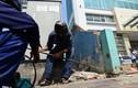 Ảnh: Quận 1 phá tường lấn vỉa hè của văn phòng Bộ Công thương