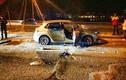 Cảnh sát đập nát xe người đi đường