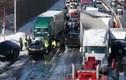 100 ô tô đâm liên hoàn trên đường cao tốc