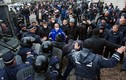 Cảnh báo nội chiến cận kề tại Ukraine