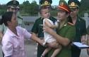 113 Online 28/5: Vờ nhận con nuôi... đem bán trẻ sang Trung Quốc