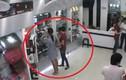 Nữ quái vào cửa hàng điện thoại trộm đồ