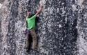 Chinh phục tảng đá cao hàng trăm mét... bằng tay