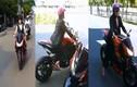 Gái trẻ cưỡi mô tô khủng dạo phố Sài Gòn