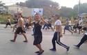 Xem clip hàng trăm học viên cai nghiện Hải Phòng trốn trại diễu phố