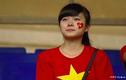 Phát sốt hình ảnh nữ CĐV khóc cuối trận U19 VN - Nhật Bản