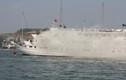 Cận cảnh cứu tàu cháy trên vịnh Hạ Long