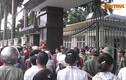 Hòa Bình: Vì sao 200 người dân quây trụ sở UBND huyện?