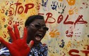 """Người dân Tây Phi """"xuống đường"""" rậm rộ chống Ebola"""