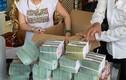 Điểm mặt các đại gia Việt thích khoe núi tiền vàng, nổi danh về độ chịu chơi, cuối cùng xộ khám