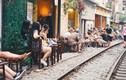 """Cà phê đường tàu Hà Nội: Chủ quán """"cá kiếm"""" vài chục triệu/ tháng?"""