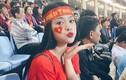 Cận cảnh nhan sắc cô gái hot nhất trận Việt Nam và Thái Lan ở Mỹ Đình