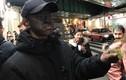 """""""Ăn mày mặt đen"""" lan sang Nhật khiến người dân khiếp vía"""