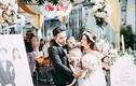 """""""Tuesday"""" mặc váy hồng, ngang nhiên chen ngang đám cưới khiến CĐM chết cười"""