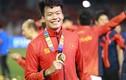 """Cầu thủ U23 Việt Nam """"phản đòn yếu ớt"""" trước trò đùa của lứa đàn anh"""