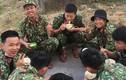 Bữa ăn dã chiến của bộ đội chống Covid-19, dân mạng bội phần cảm ơn