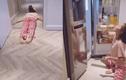 """Tự cách ly tại nhà, Bích Phương làm clip hoá """"cá đuối"""" gây sốc"""
