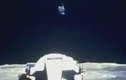 Vật thể lạ tiếp cận tàu Apollo của NASA trên Mặt trăng