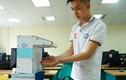 Cận cảnh máy rửa tay tự động của sinh viên Bách khoa chống Covid-19