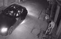 Video: Nhóm thanh niên đi Mercedes dùng súng bắn trộm mèo