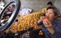 """Bà Tân Vlog """"made in Trung Quốc"""" chỉ livestream bán mơ cũng hút triệu view"""
