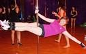 Bà ngoại 63 tuổi múa cột điêu luyện gợi cảm hơn gái 20