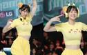 Mặc áo Pikachu khoe vòng 1 ngồn ngộn, gái xinh bị chê phản cảm