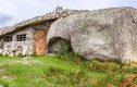 Kỳ thú nhà siêu độc được xây từ những tảng đá lớn