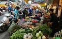 Bão chồng siêu bão, người dân Hà Nội lo tích trữ thực phẩm