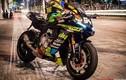 """Siêu môtô Yamaha R1 """"độ tem đấu cực độc"""" trên phố Sài Gòn"""