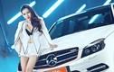 """""""Bỏng mắt"""" ngắm chân dài bên Mercedes C250 AMG bạc tỷ"""