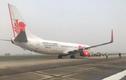 Máy bay Boeing của Malaysia nổ lốp ở sân bay Nội Bài