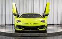 Siêu xe Lamborghini Aventador SVJ sơn dạ quang cực hiếm