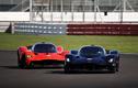 Hai tay đua F1 cầm lái Aston Martin Valkyrie trên đường đua