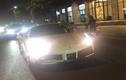 """""""Rượt đuổi"""" siêu xe Ferrari 488 Spider hàng hiếm ở Sài Gòn"""