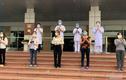 """Gia đình 3 người mắc COVID-19 ở Hà Nội: """"Đây là cú sốc quá lớn"""""""