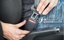 Khách ngồi trên ôtô không thắt dây an toàn, lái xe bị phạt ra sao?