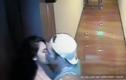 Người đẹp Philippines hôn một người đàn ông trước khi tử vong